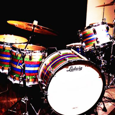 Patrick_Carney_Signature_Drum_Set